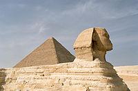 Kefrén, un rey de la IV dinastía, fue quien construyó la Gran Esfinge de Guiza, dedicada probablemente al dios Sol Dalmakis