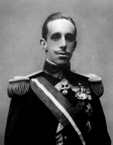 Fotografía de Alfonso XIII en 1902, cuando iba a comenzar su reinado a los 17 años