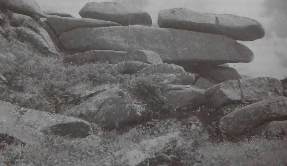 integración en el paisaje de un dolmen en Reino Unido (García, 2005)