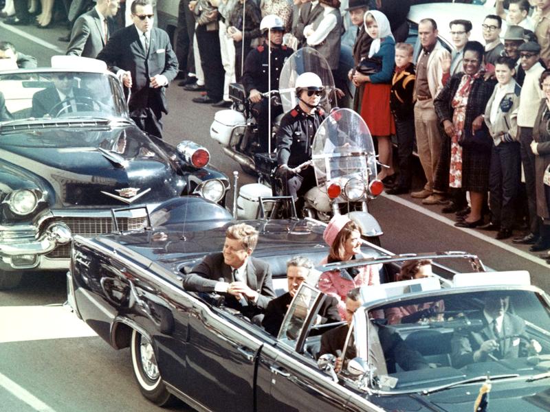 Fotografía tomada minutos antes de la muerte de Kennedy por asesinato