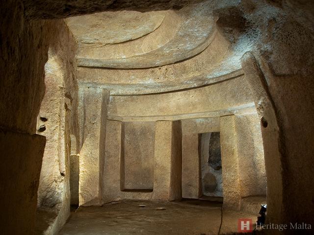 Interior del hipogeo de Hal Saflieni, en Malta, ejemplo de megalitismo