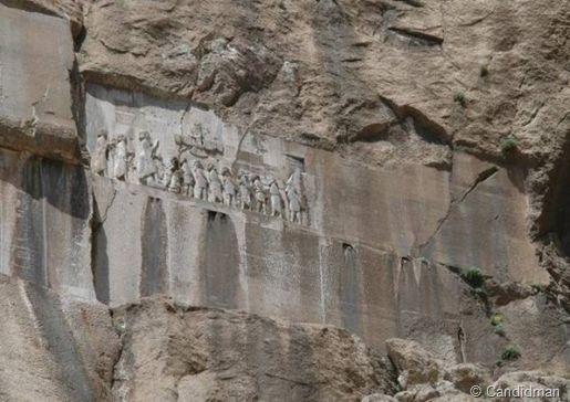 Inscripción de Behistún en la que se habla repetidas veces de Ahura Mazda
