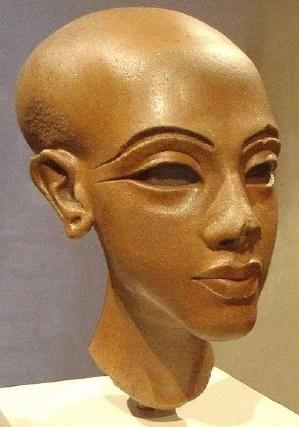 Busto de alguna de las hijas de Akhenaton