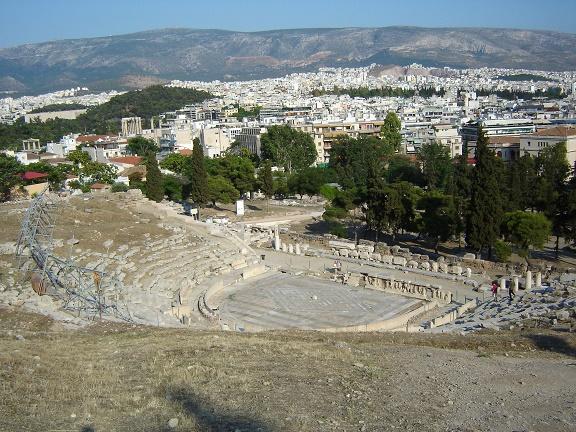 El teatro de Dionisos en Atenas fue el mayor de toda la Grecia antigua