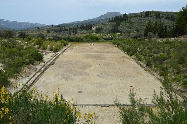 Estado actual del estadio donde se desarrollaban los Juegos Panhelenicos Nemeos