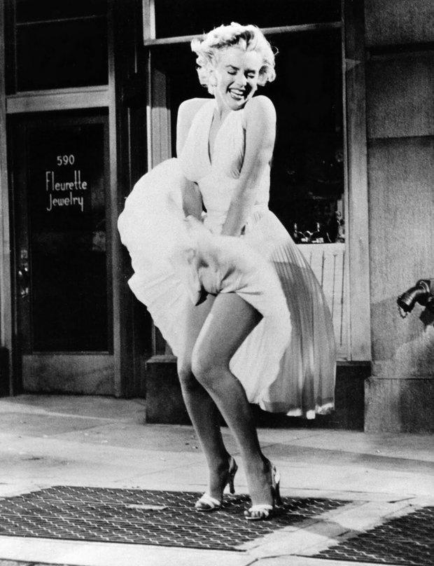 Marilyn Monroe en la mítica escena de la rejilla del metro de La tentación vive arriba