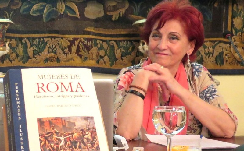 """Isabel Barceló y su obra, """"Mujeres de Roma"""""""