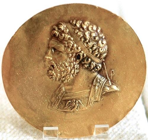 Retrato de Filipo II de Macedonia en una moneda del siglo II aC